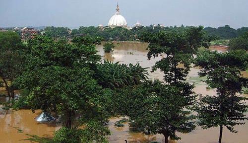 Alluvione-in-Mayapur.jpg