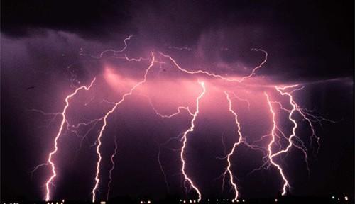 Tempesta-di-fulmini.jpg